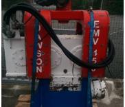 Excavator mounted vibrator2